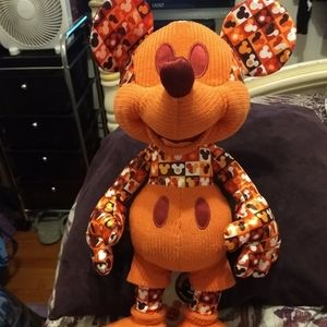 Mickey Mouse Memories July Plush 2018